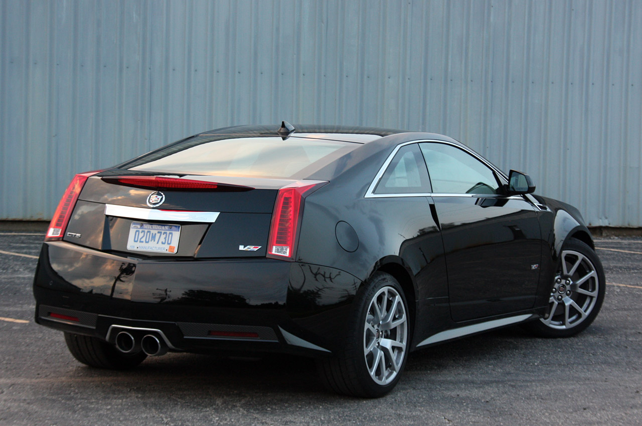 whip of the week 2011 cadillac cts v coupe. Black Bedroom Furniture Sets. Home Design Ideas